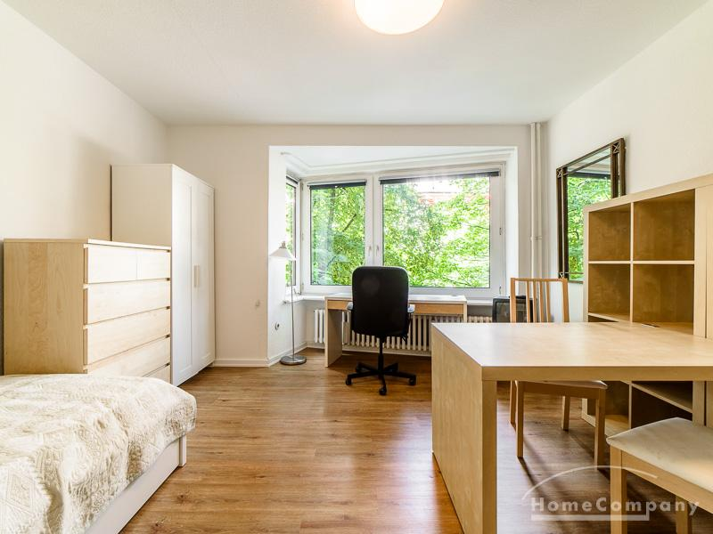 Flat directly at the Alster