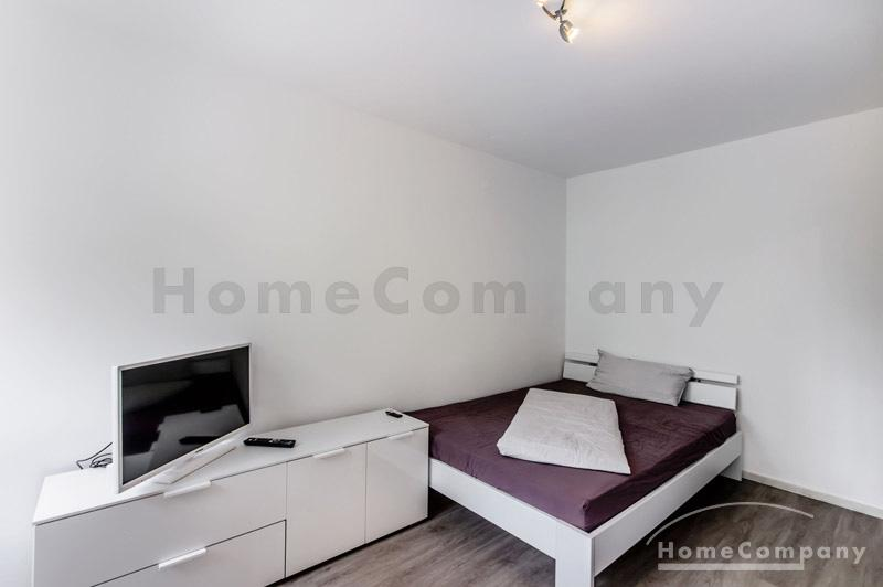 Modern-style furnished 1-room apartment with balcony in Munich-Westend