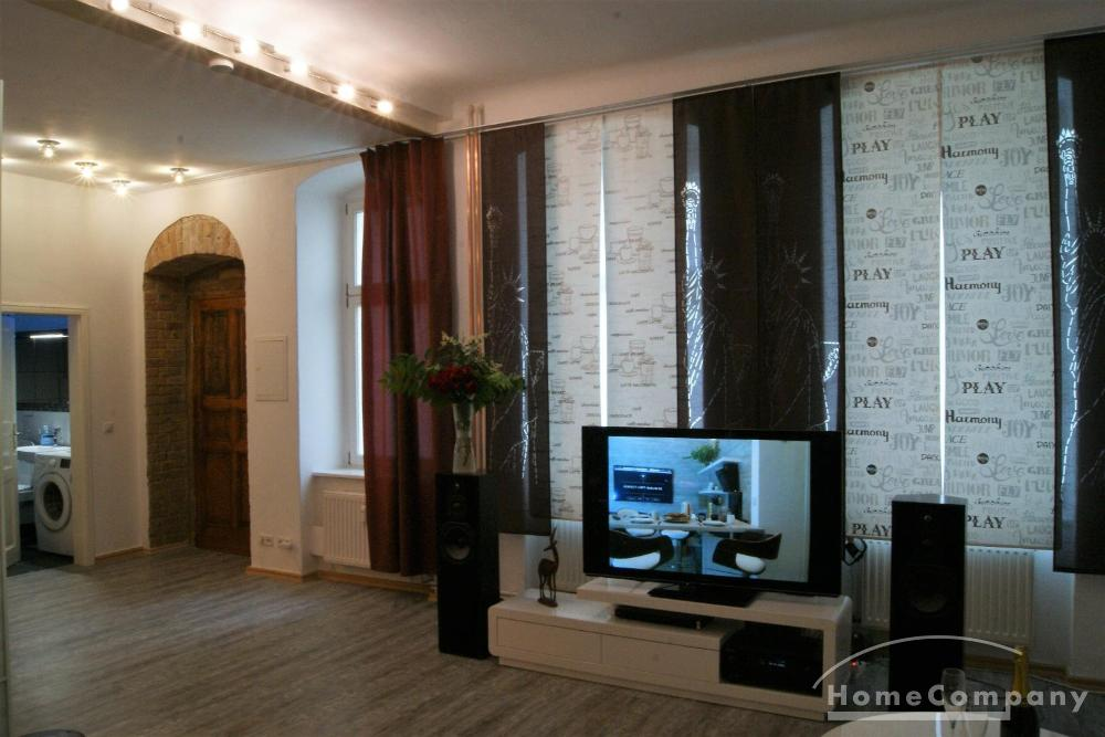 Gorgeous and spacious studio flat in Mitte, Berlin, Furnished