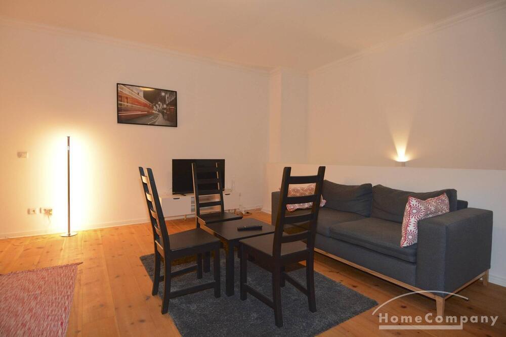 Furnished 2 room apartment in Friedrichshain, 2 balconies