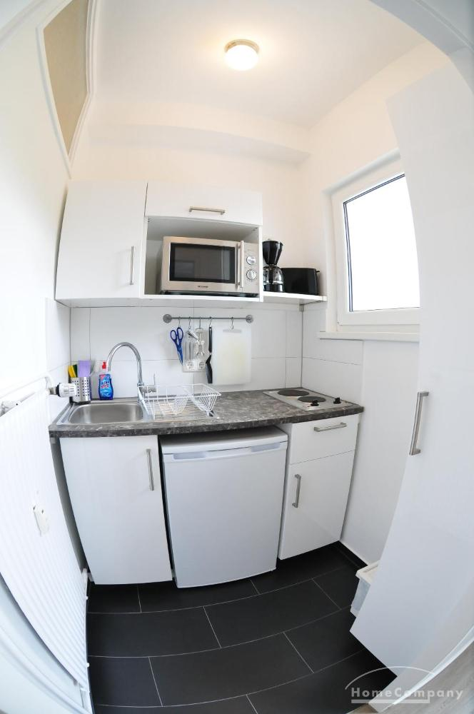 schicke 1 zimmer wohnung mit balkon in berlin wilmersdorf m bliert objektdetails home for. Black Bedroom Furniture Sets. Home Design Ideas