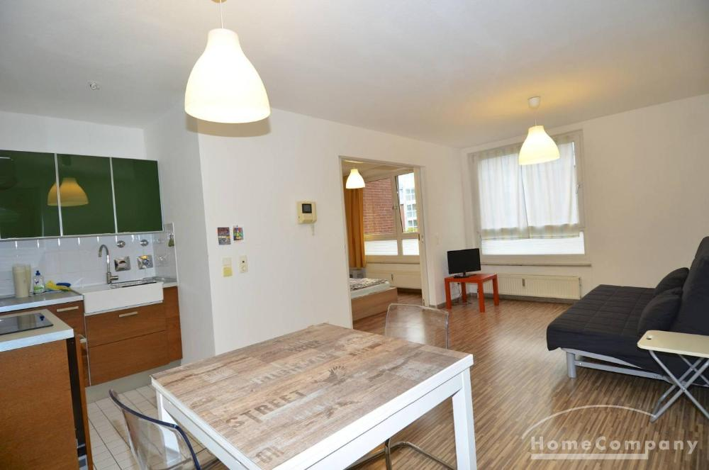 Moderne, sonnige Zwei-Raum-Wohnung in Prenzlauer Berg, möbliert