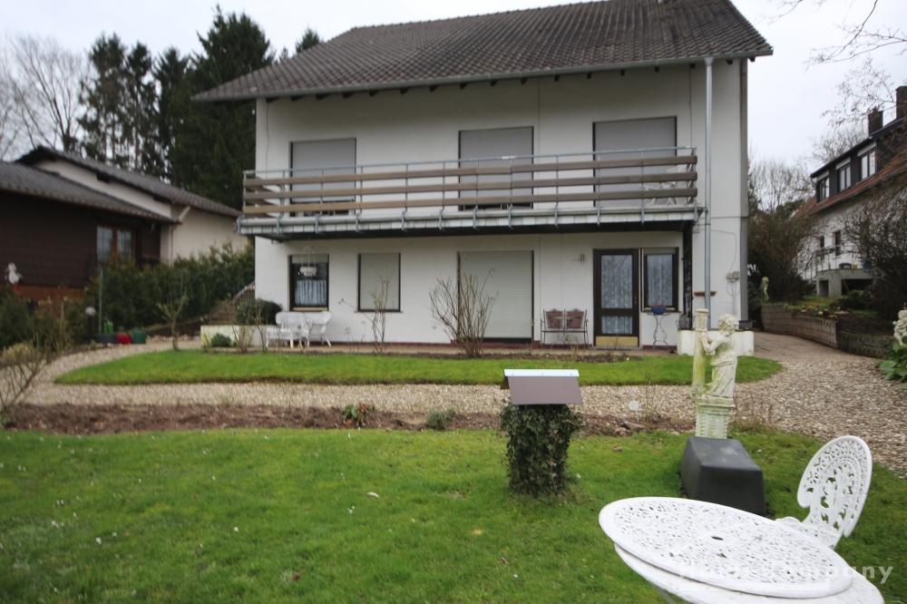 ground floor apartment / short-term rental / Saarbrücken