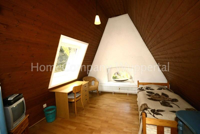 room / short-term rental / Wuppertal