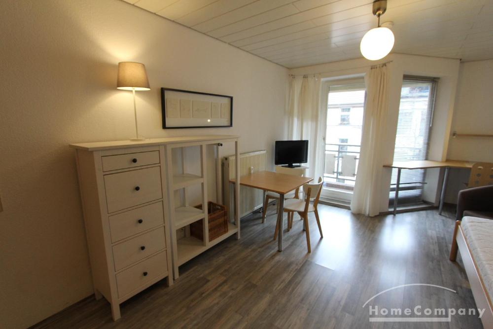 Light-filled apartment in a prime location of Old Town!